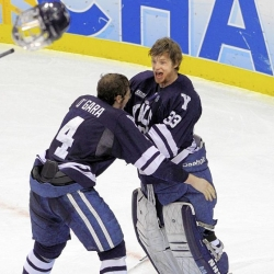 Late goal in second period opens door to championship for Yale
