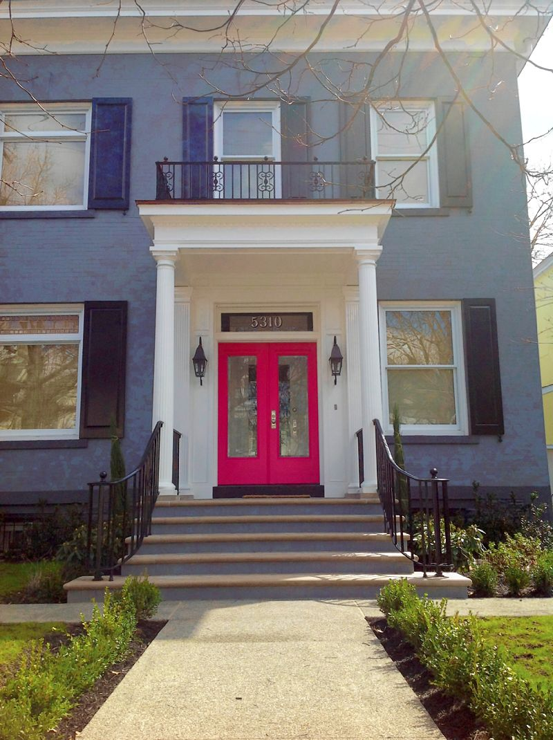 Open the door on color by painting your front door - Ver fotos de casas ...