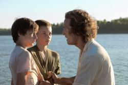 Film clips: &#039;Mud&#039; pulls you in; &#039;King&#039;s Faith&#039; earnest