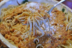 What's for dinner: Tomato Almond Pesto with Spaghetti