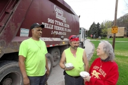 Liberty woman repays trash haulers' help with baked goods