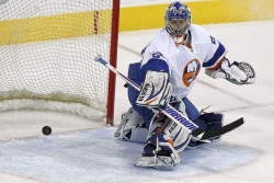 Collier: Veteran Nabokov puts pieces together for Islanders