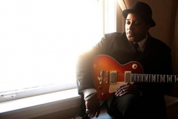 Tonight: Vince Agwada brings 'cutting edge' blues to The R Bar