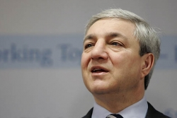 Former Penn State leader Graham Spanier highest paid public university president in 2011-12, survey says