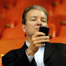 Penguins' Ray Shero finalist for NHL general manager of the year award
