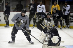 Penguins hope to build rare (for them) 2-0 edge tonight
