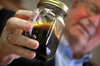 Oil fuels North Dakota town&#039;s boom