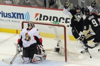 Crosby puts on a show in Penguins&#039; 4-3 victory