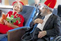 Prom gives senior center residents a trip back in time