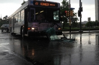 Police search for hit-and-run driver who slammed into Downtown Pittsburgh bus