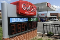 Stores hoping gas fuels Memorial Day spending