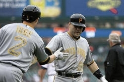 Pirates drop first game of series in Detroit, 6-5
