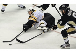 Bruins shut out Penguins, 3-0, in Game 1 of Eastern Conference final