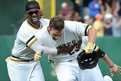 Pirates beat Reds, 5-4, in 11 innings