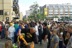 Pirates' advice to avoid long waits at PNC Park: Come early