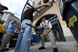 Lines move smoothly on second night of security scanning at PNC Park