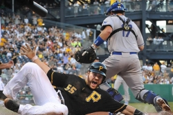 Locke is key as Pirates shut out Dodgers, 3-0
