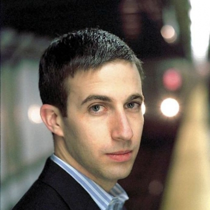 Benjamin Hochman -- Pianist lent grace to one-handed performance of Ravel's concerto.