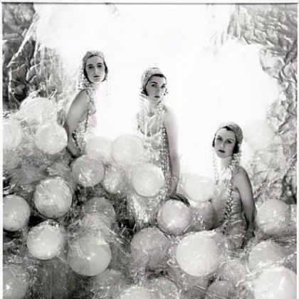 Cecil Walter Hardy Beaton's 1920 photo of Baba Beaton, Wanda Baille-Hamilton and Lady Bridget Poulett.