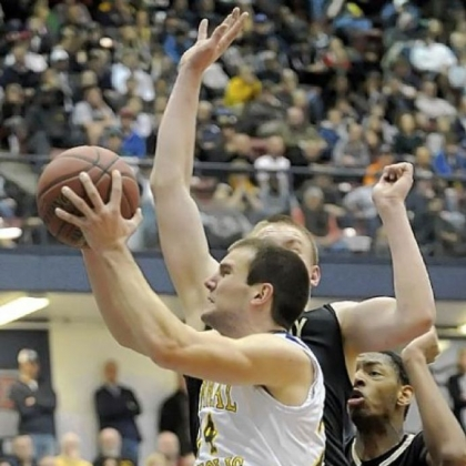 David Urso, driving to the basket during a WPIAL title game against Gateway in March, is Central Catholic's top scorer.