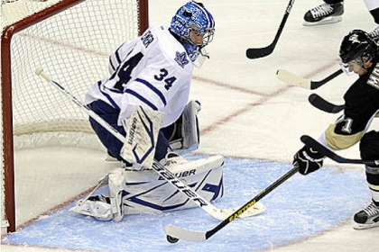 Toronto goaltender James Reimer stops a shot by Penguins' Evgeni Malkin in the second period last night at Consol Energy Center.