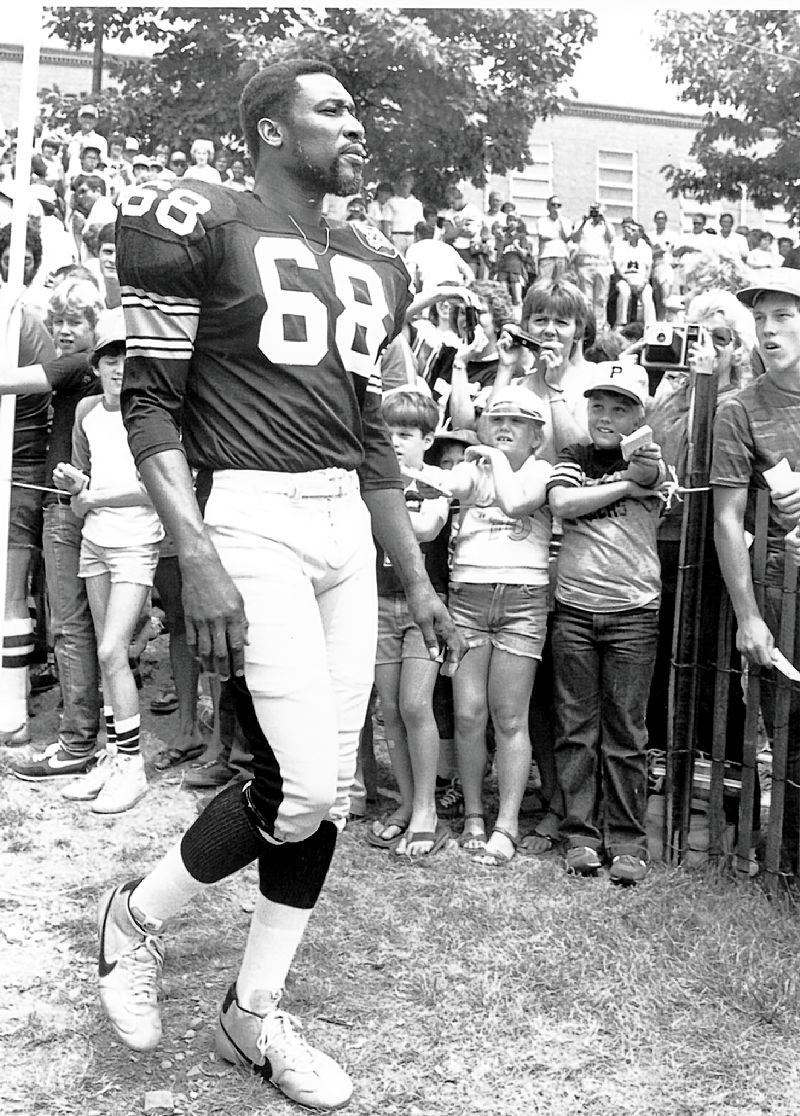 Obituary: L.C. Greenwood / Big part of Steelers' Steel Curtain