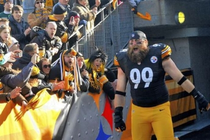 The Steelers' Brett Keisel takes the field for the Steelers-Bengals match-up at Heinz Field on Dec. 23.