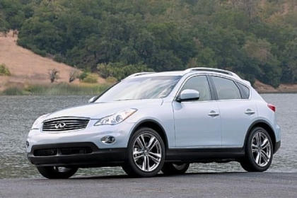 The 2013 Infiniti EX37 has a 325-horsepower 3.7-liter V6 engine. The interior is welcoming and understated in its elegance.
