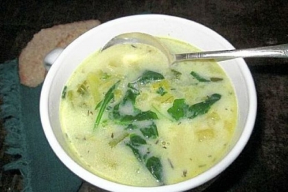 Chunky Potato, Leek and Spinach Soup.