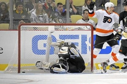 Penguins goaltender Tomas Vokoun dives for the winning goal by the Flyers' Jakub Voracek in the third period Wednesday night at Consol Energy Center.