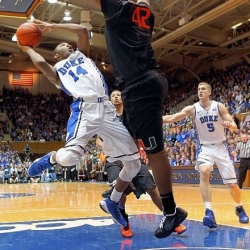 Men&#039;s Basketball Roundup: Kelly lifts No. 3 Duke past No. 5 Hurricanes