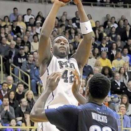 Pitt's Talib Zanna broke out of a slump Sunday against Villanova in the Panthers' victory in the home finale.