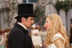 Movie review: 'Oz the Great and Powerful' never soars
