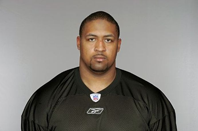 Source: Steelers sign guard Foster to three-year deal