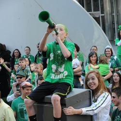 Downtown Pittsburgh bustling with St. Patrick&#039;s Day activities