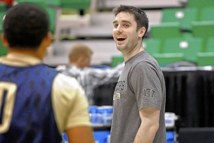 Pitt assistant coach Jason Richards was the point guard for the 10th-seeded Davidson team that made an improbable Elite Eight run led by current NBA star Stephen Curry.