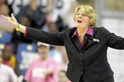 Recruiting failures, high hopes, loss of key aides foiled former Pitt women&#039;s coach Berenato