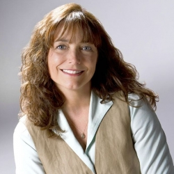 'Indiana Jones' star Karen Allen drops into Steel City Con